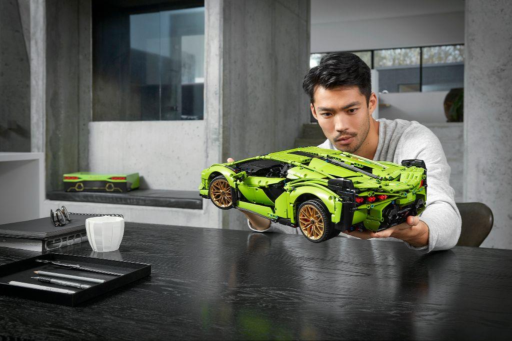 LEGO Technic Lamborghini Sián FKP 37 14