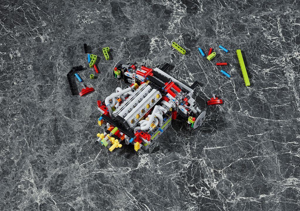 LEGO Technic Lamborghini Sián FKP 37 21