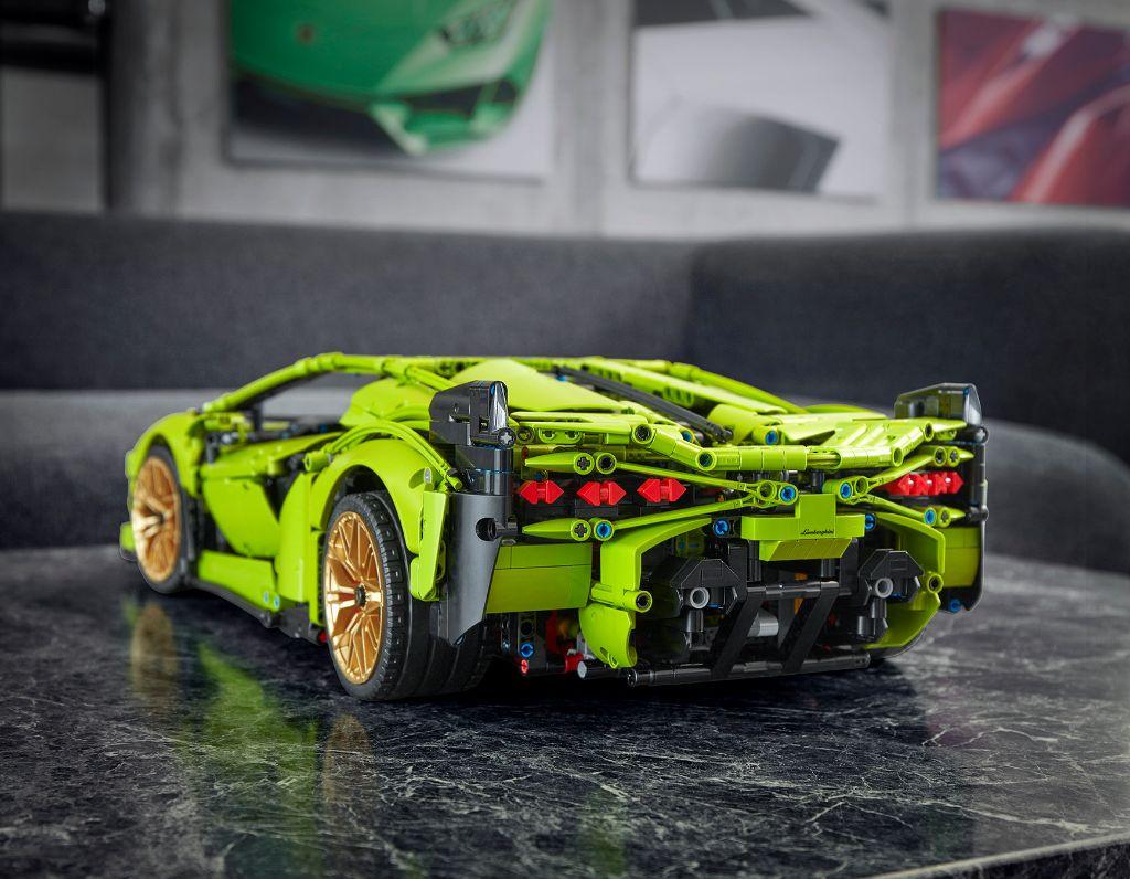 LEGO Technic Lamborghini Sián FKP 37 22