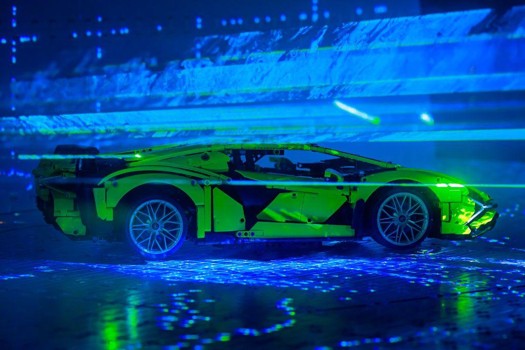 LEGO Technic Lamborghini Sián FKP 37 Bts 13