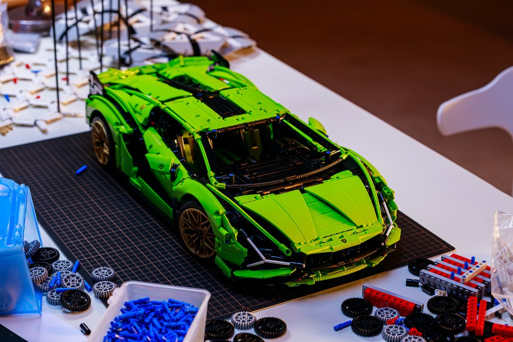 LEGO Technic Lamborghini Sián FKP 37 Bts 3