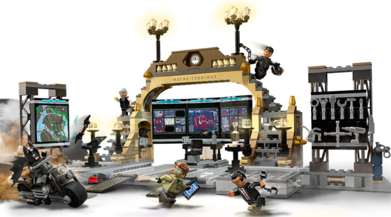 LEGO The Batman Batcave The Riddler Face off featured