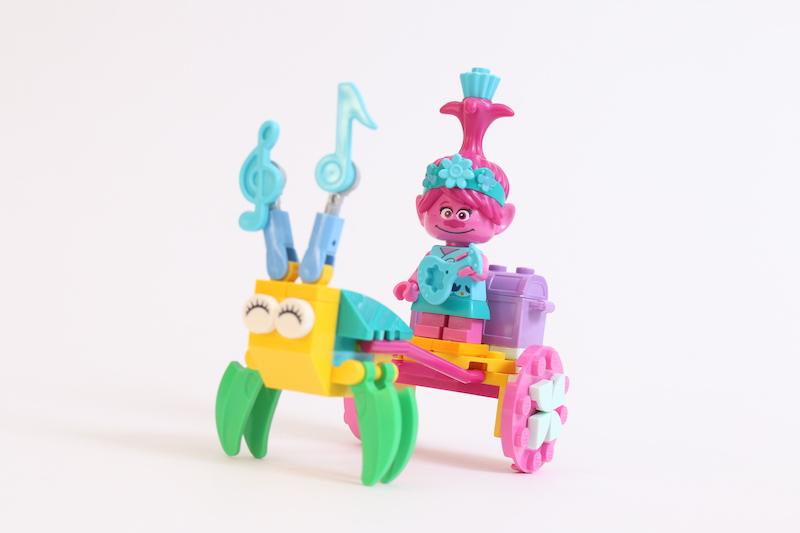LEGO Trolls World Tour 30555 Poppys Carriage Review 6