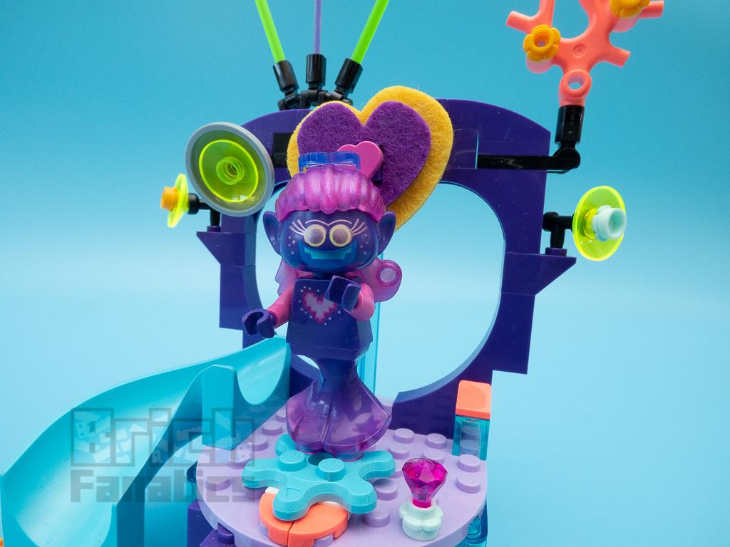 LEGO Trolls World Tour 41250 Techno Reef Dance Party 13