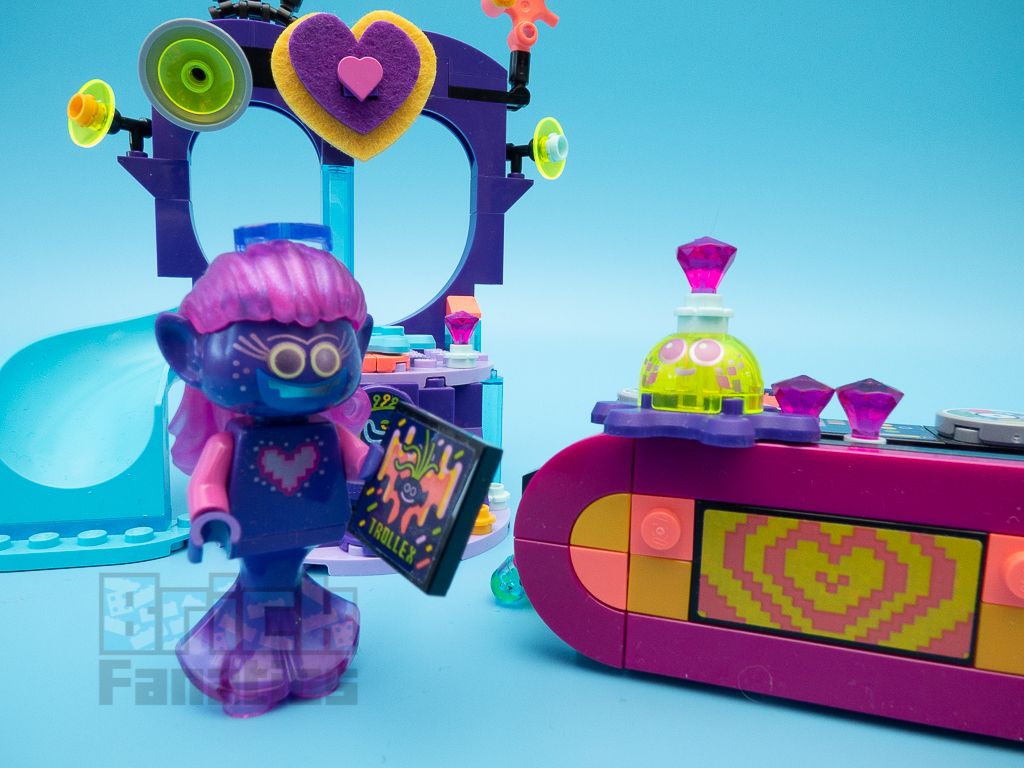 LEGO Trolls World Tour 41250 Techno Reef Dance Party 9