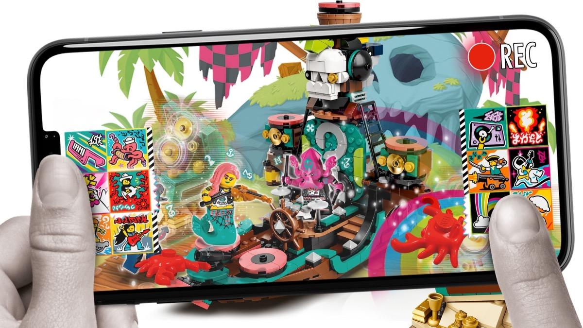 LEGO VIDIYO 43114 Punk Pirate Ship Featured 1