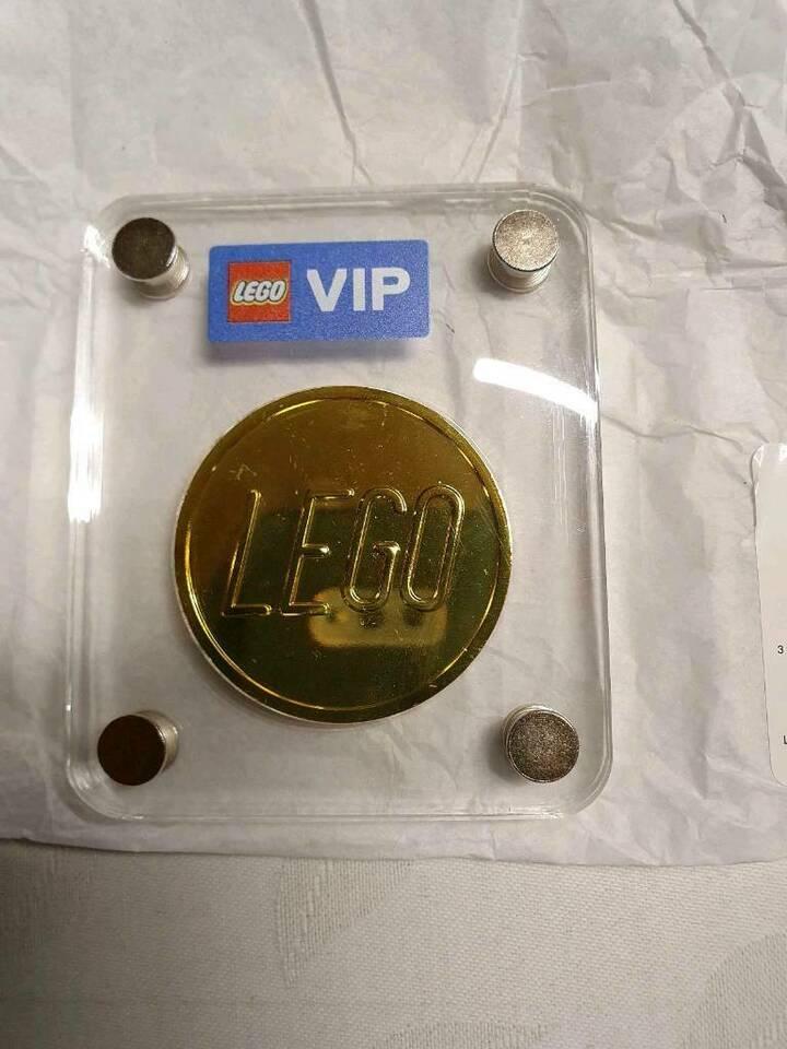 LEGO VIP Gold Coin 1