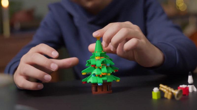 LEGO Winter Village Collection 10293 Santas Visit