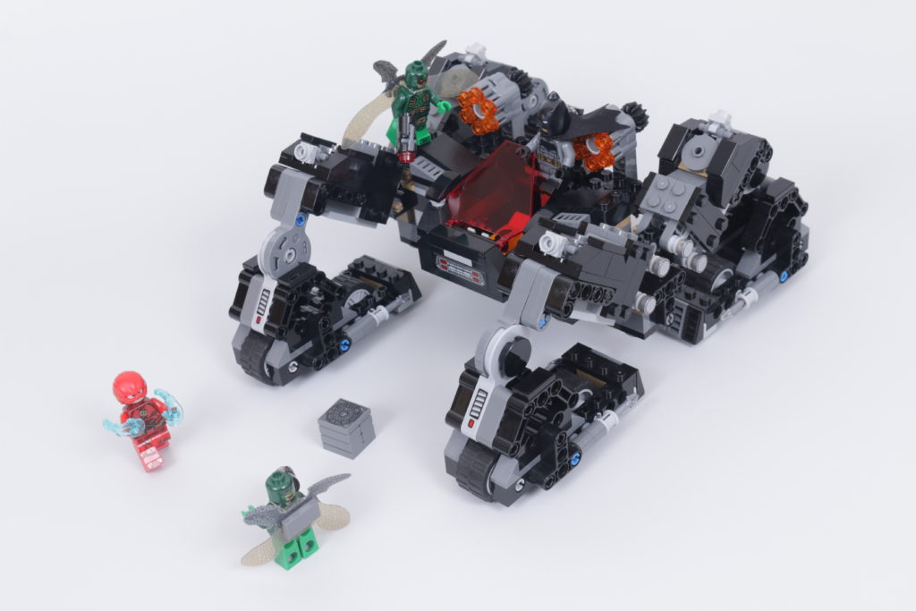 LEGO Zack Snyder Justice League Sets 76086 Knightcrawler Tunnel Attack 76087 Flying Fox Batmobile Airlift Attack 76085 Battle Of Atlantis 19
