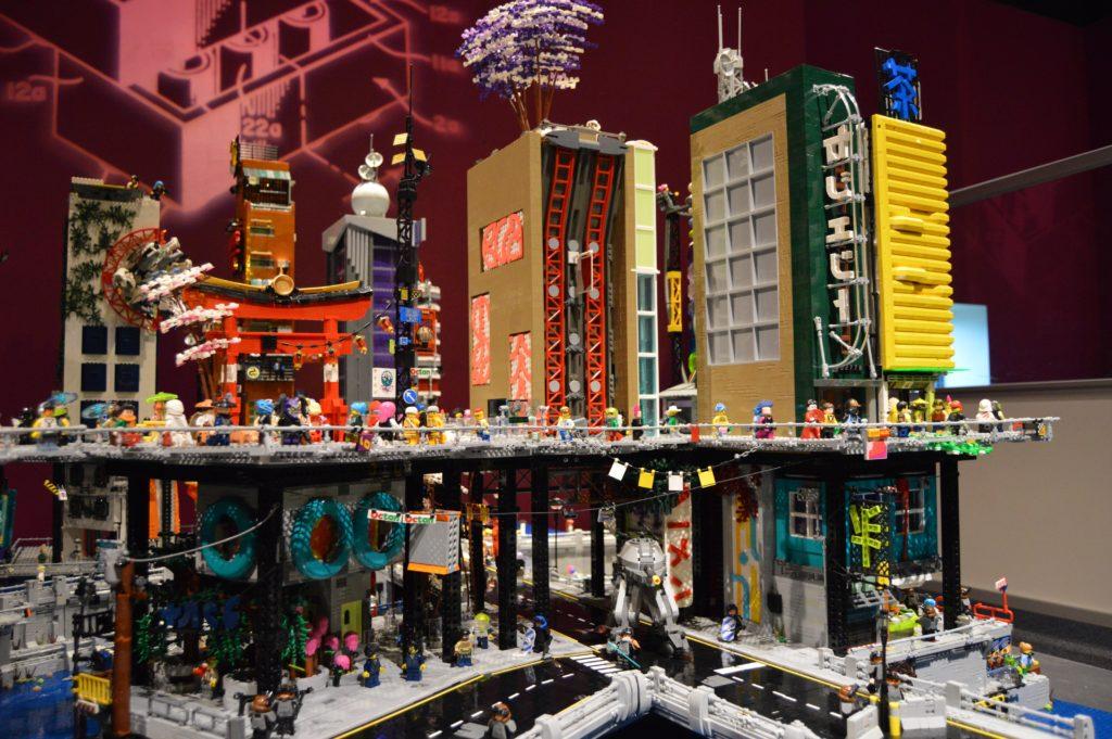 LEGO Cyberpunk City 6