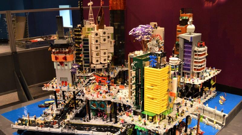 LEGO Cyberpunk Mega City Featured