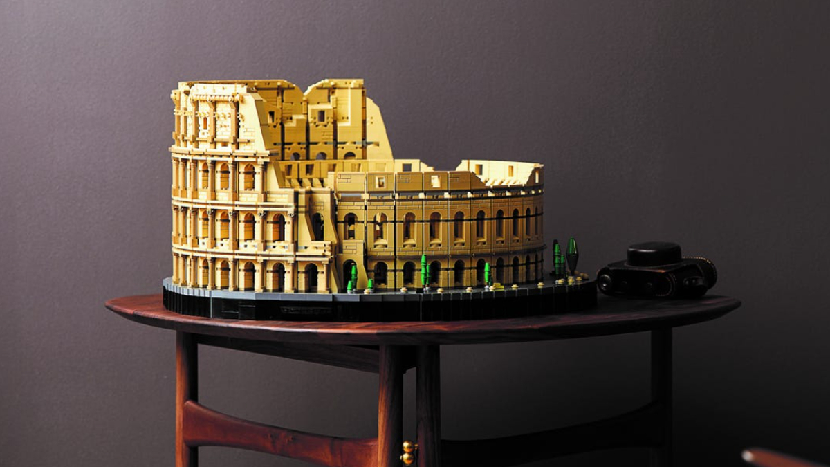 LEGO For Adults 10276 Colosseum Lifestyle 1 Resized Featured
