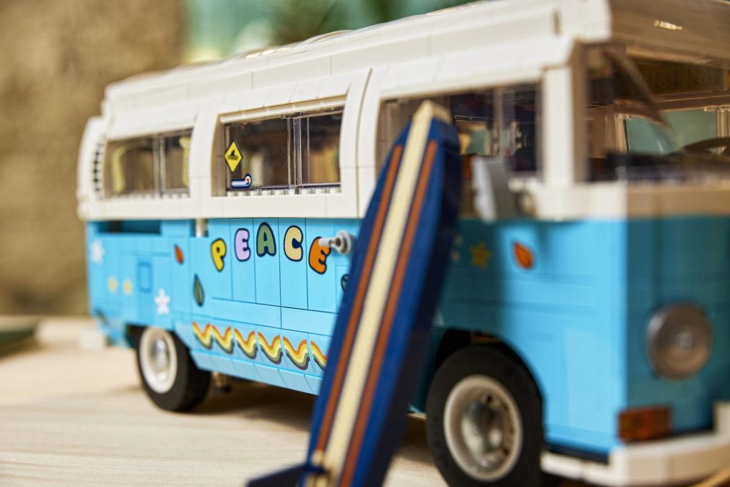 LEGO for Adults 10279 Volkswagen T2 Camper Van 14