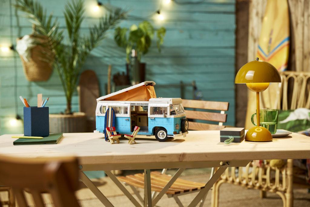 LEGO for Adults 10279 Volkswagen T2 Camper Van 16