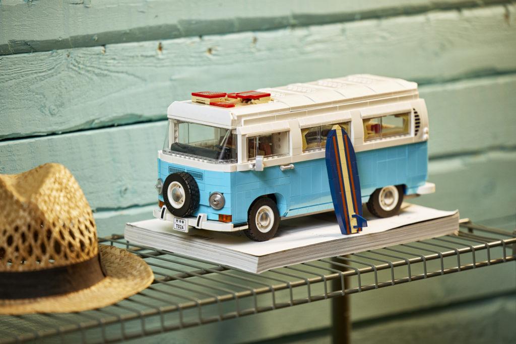 LEGO for Adults 10279 Volkswagen T2 Camper Van 22