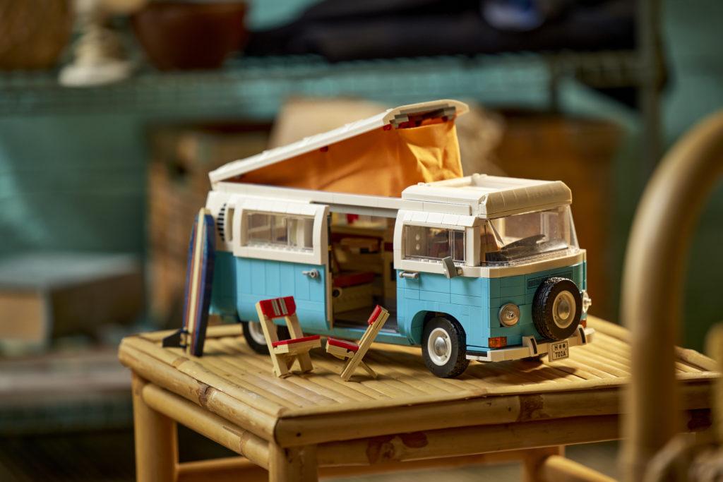 LEGO for Adults 10279 Volkswagen T2 Camper Van 23