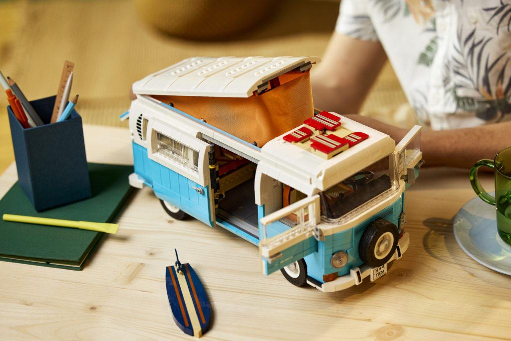 LEGO for Adults 10279 Volkswagen T2 Camper Van 8