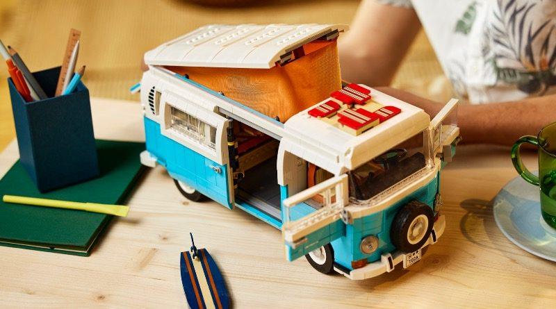 LEGO for Adults 10279 Volkswagen T2 Camper Van featured 4