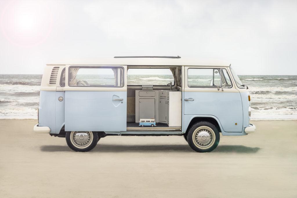LEGO for Adults 10279 Volkswagen T2 Camper Van real life van 3