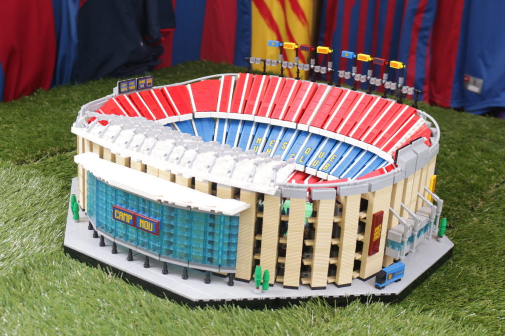 LEGO for Adults 10284 Camp Nou – FC Barcelona review 3
