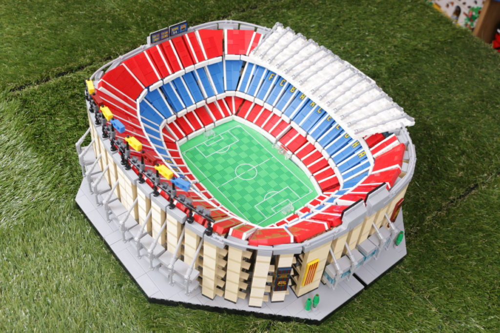 LEGO for Adults 10284 Camp Nou – FC Barcelona review 4