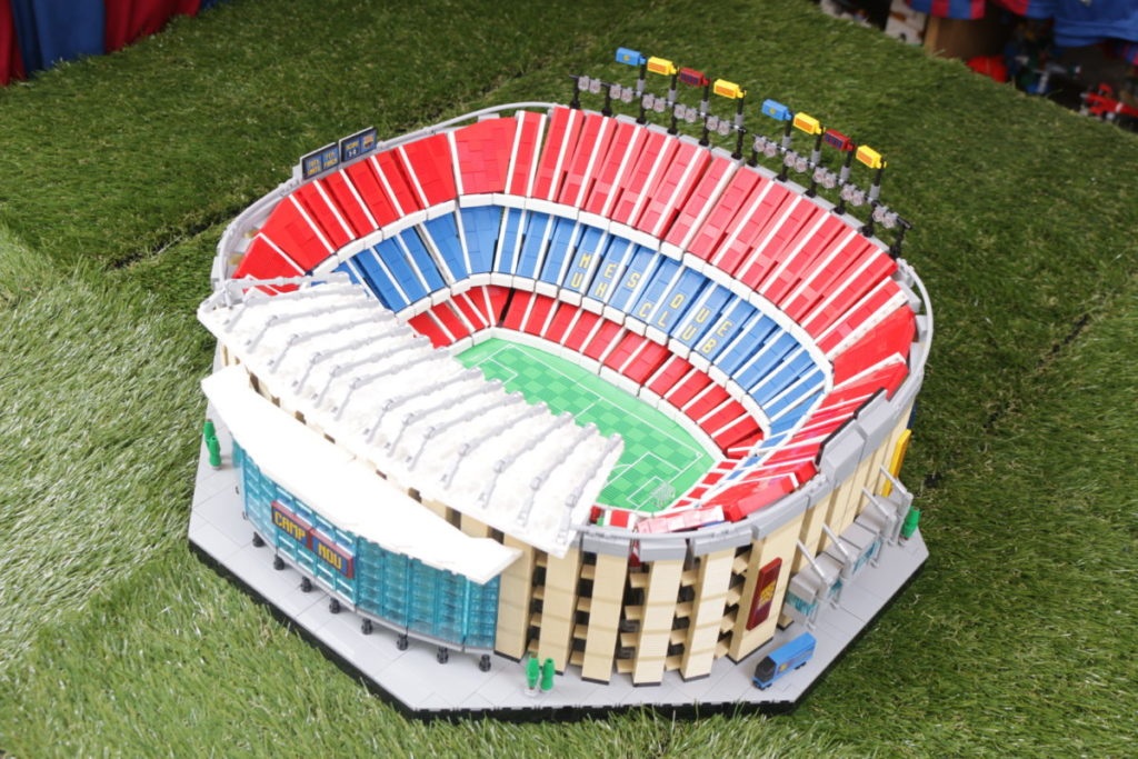 LEGO for Adults 10284 Camp Nou – FC Barcelona review 4i