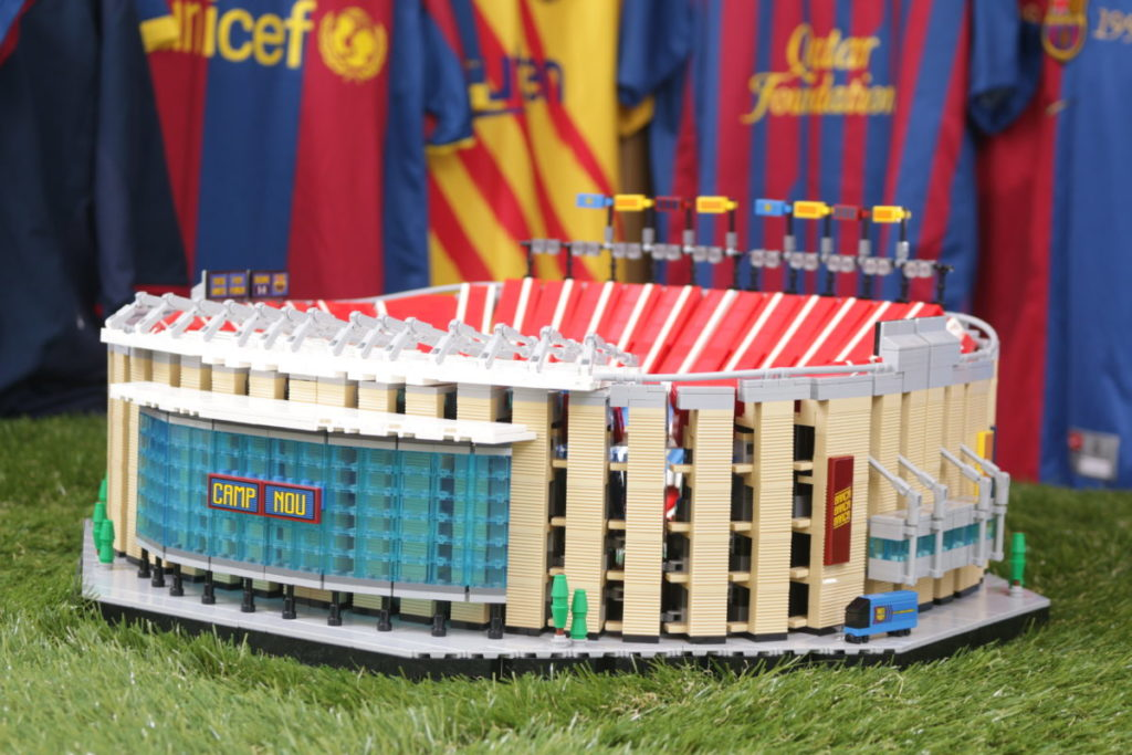 LEGO for Adults 10284 Camp Nou – FC Barcelona review 9