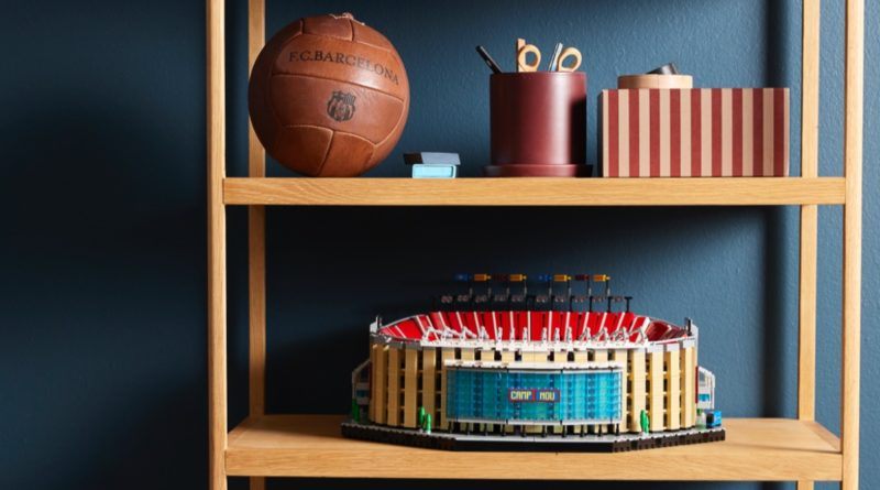 LEGO for Adults 10284 FC Barcelona Camp Nou featured 1