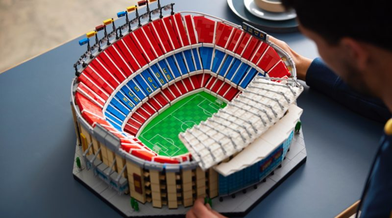 LEGO for Adults 10284 FC Barcelona Camp Nou featured 4