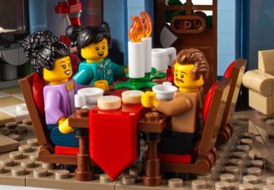 LEGO for Adults 10293 Santa's Visit designer video released