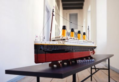 Can the LEGO for Adults 10294 Titanic successfully float?