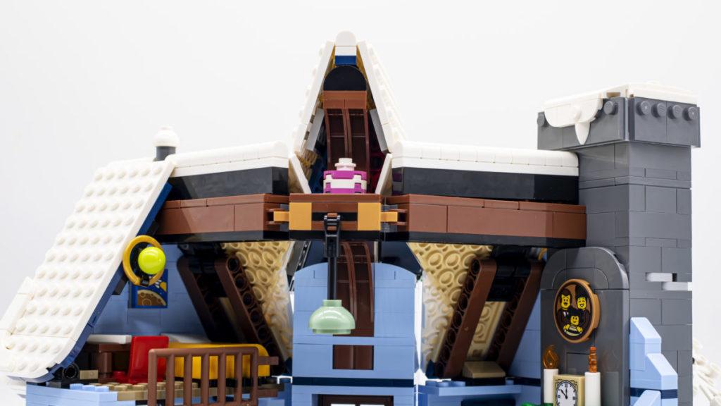LEGO for adults 10293 Santas Visit 11 1