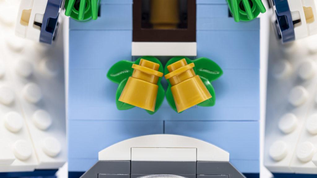 LEGO for adults 10293 Santas Visit 15 1