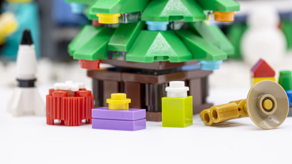 LEGO for adults 10293 Santas Visit 16