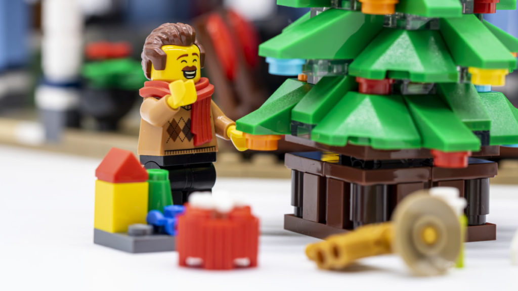 LEGO for adults 10293 Santas Visit 18