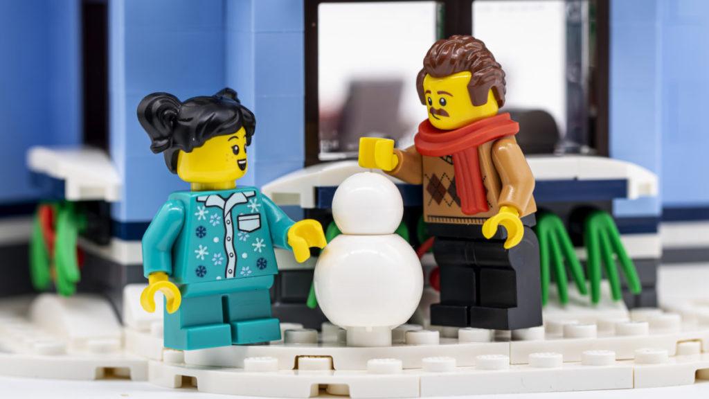 LEGO for adults 10293 Santas Visit 23