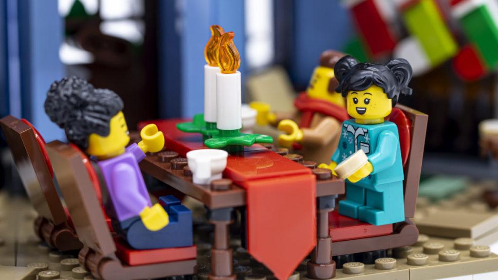LEGO for adults 10293 Santas Visit 28
