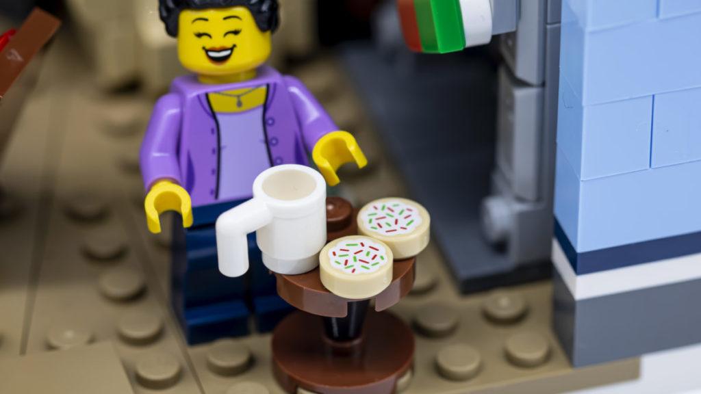 LEGO for adults 10293 Santas Visit 31