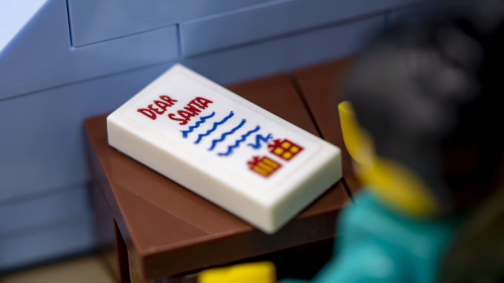 LEGO for adults 10293 Santas Visit 34