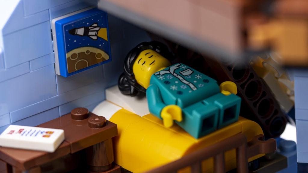 LEGO for adults 10293 Santas Visit 35
