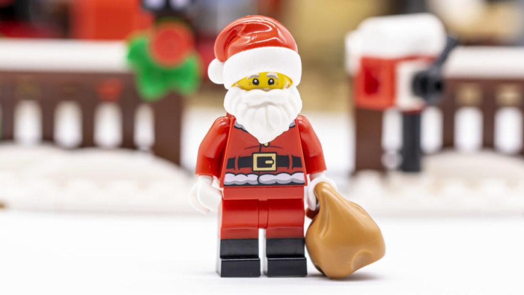 LEGO for adults 10293 Santas Visit 43