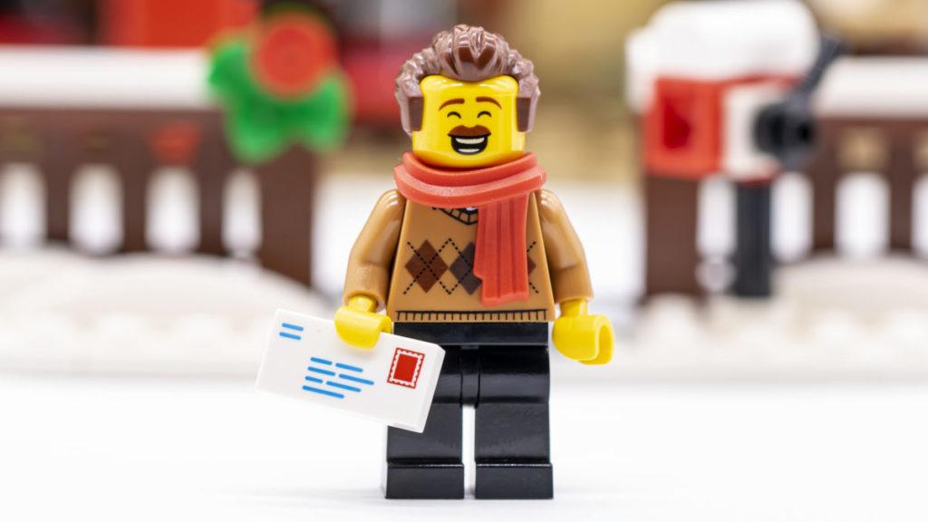 LEGO for adults 10293 Santas Visit 44