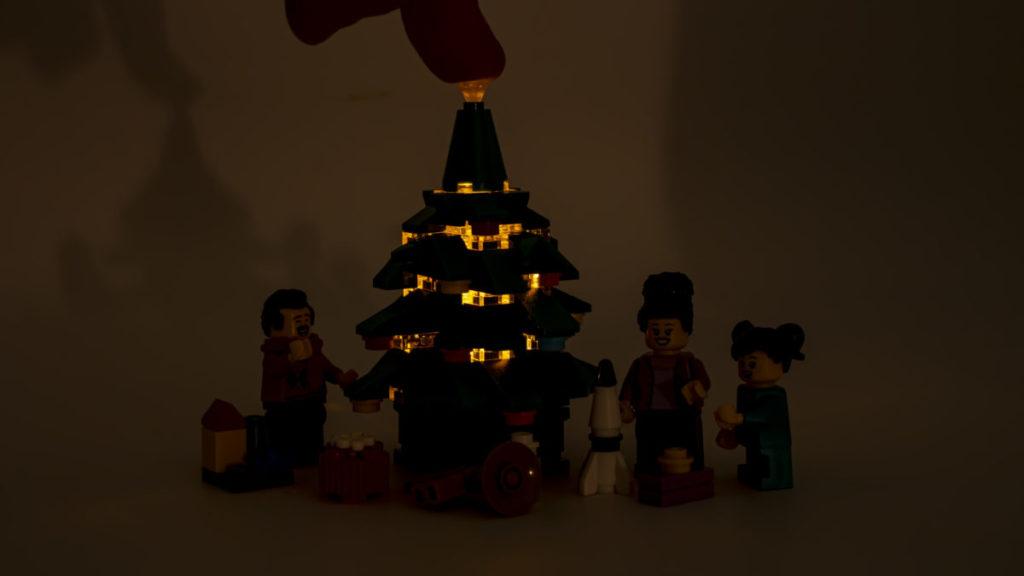 LEGO for adults 10293 Santas Visit 9 1