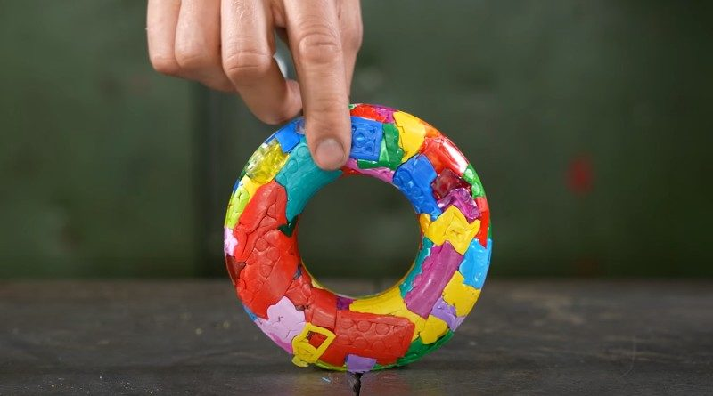 LEGO hydraulic press donut