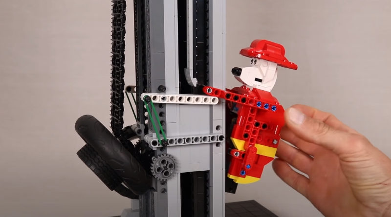 LEGO never ending climber featured