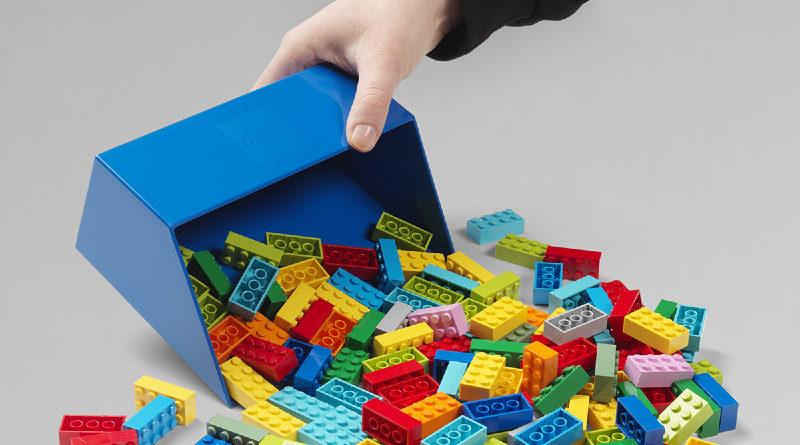LEGO scooper featured