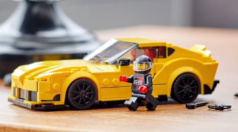 LEGO Speed Champions 76901 Toyota GR Supra Lifestyle Featured