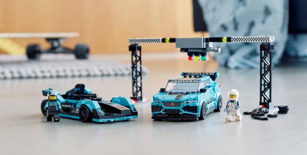 LEGO speed champions 76898 Formula E Panasonic Jaguar Racing GEN2 car Jaguar I PACE eTROPHY lifestyle