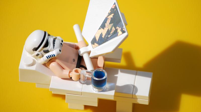 LEGO Sunbathing FI