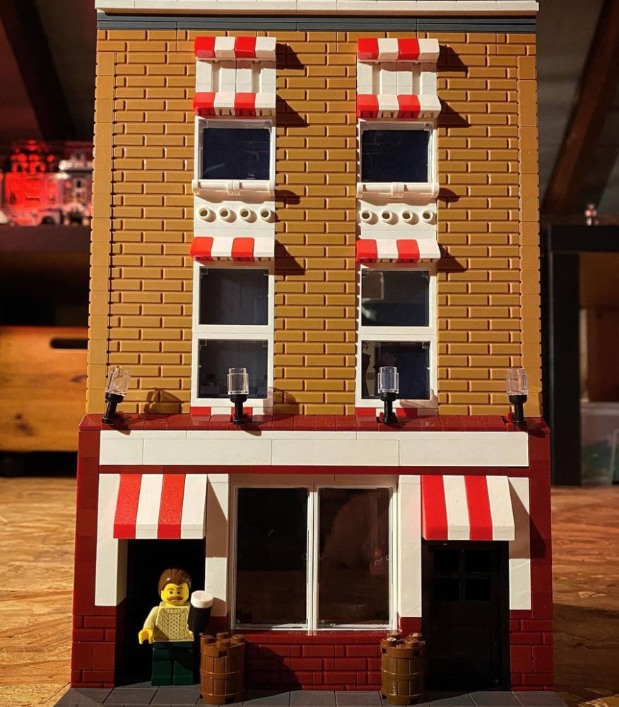 LEGO the long hall pub